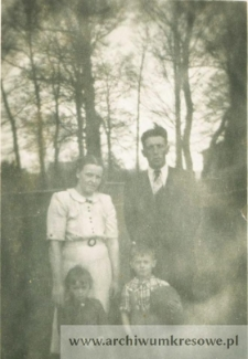 Zofia Pańczyszyn (z d. Czerniecka) z rodziną - fotografia