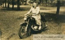 Zofia Pańczyszyn na motorze - fotografia