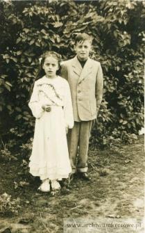 I komunia św. Wandy Pańczyszyn - fotografia z bratem