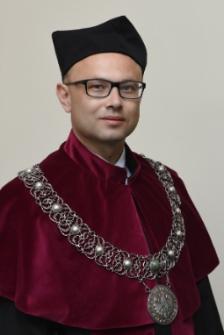 Dziekan Wydziału Ekonomii i Zarządzania dr hab. Piotr Kułyk, prof. UZ